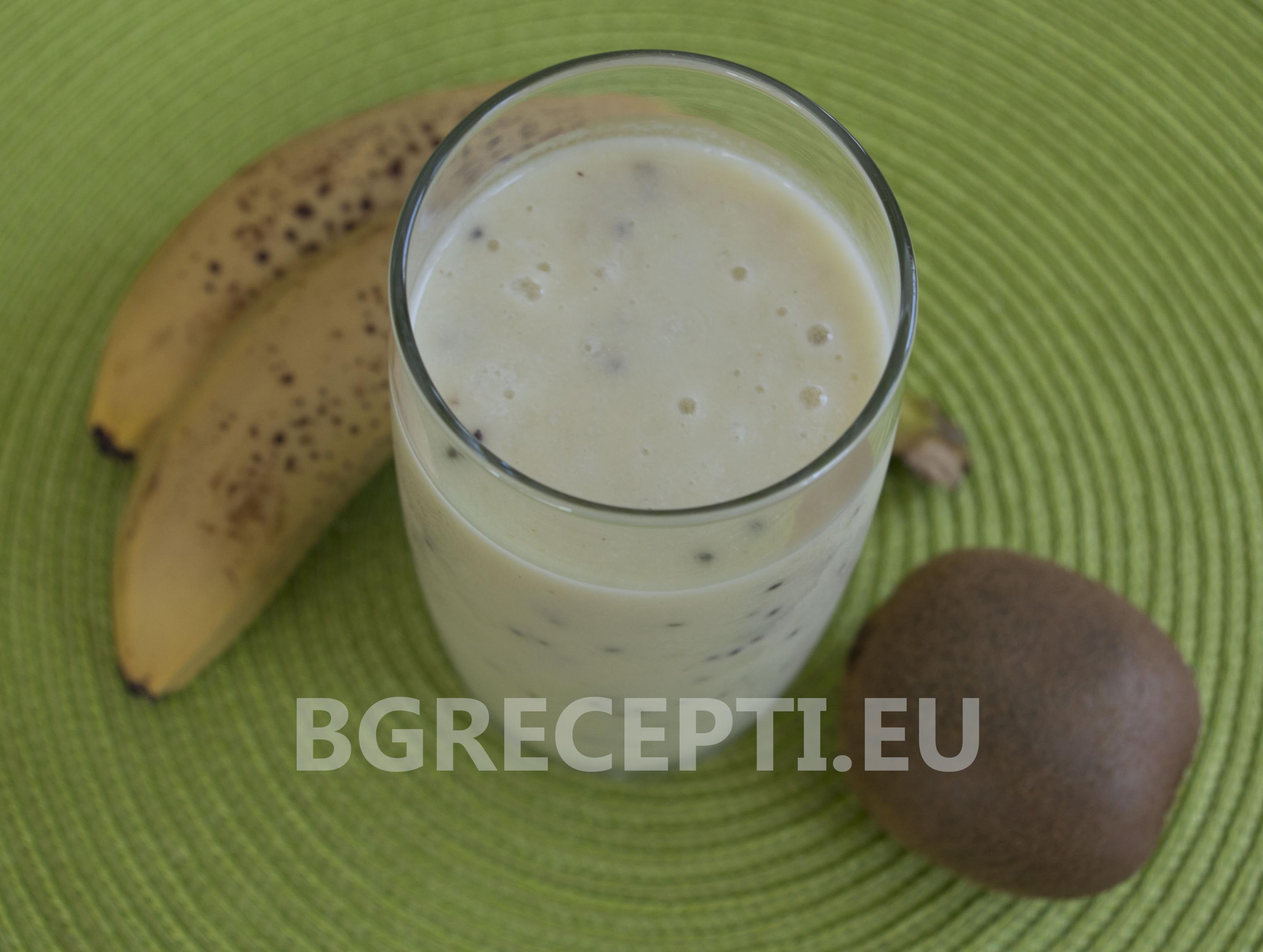 Смути с банан, киви и кисело мляко
