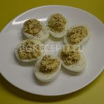 Яйца с маскарпоне и каперси